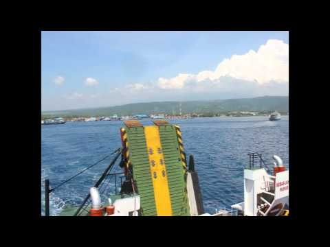 (Melihat Nahkoda Mengendalikan Kapal) Penyebrangan dari Banyuwangi ke Pulau Bali