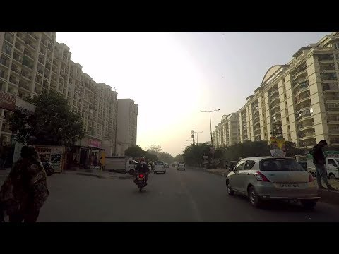 Driving in Ghaziabad (Indirapuram) - Uttar Pradesh, India