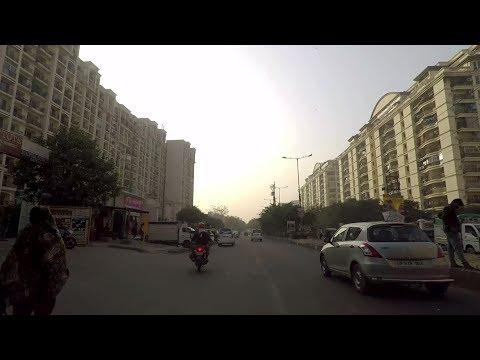 Driving in Ghaziabad (Indirapuram) - Uttar Pradesh, India