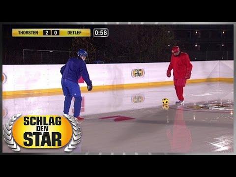 Spiel 6  Eisfußball  Schlag den Star