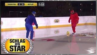 Spiel 6 - Eisfußball - Schlag den Star