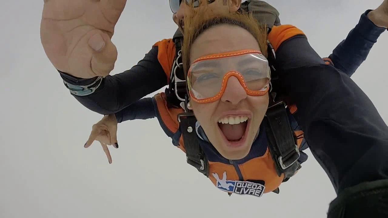 Salto de Paraquedas da Thamara P na Queda Livre Paraquedismo 21 01 2017