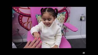 Elle made her dadda get his nails done on PINK *The Ace Family*