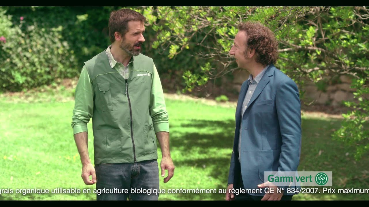 Gamm vert le go t du jardin publicit r paration for Gazon artificiel gamm vert