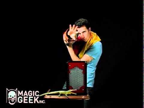 Magic Makers Professional Square Circle Illusion