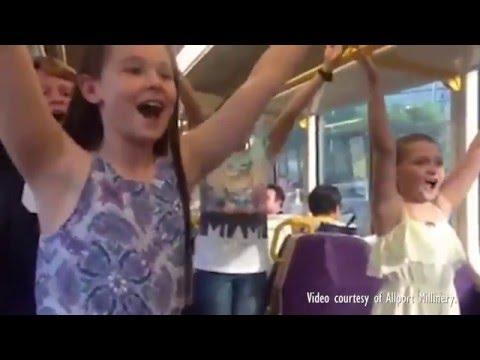 SOUND OF MUSIC SURPRISE ON BRISBANE TRAIN