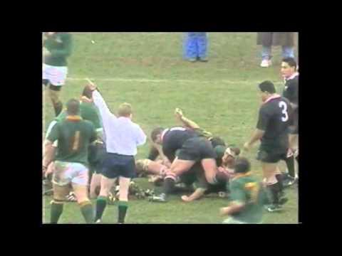 Johan le Roux bites Sean Fitzpatrick's ear!
