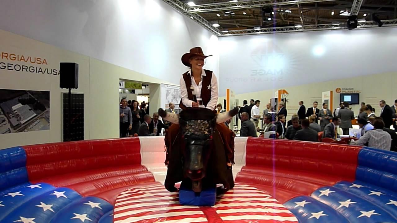Cowgirl Zähmt Bullen