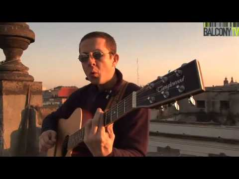 "MAURICIO DÍAZ ""HUESO"" - MIENTRAS TANTO (BalconyTV)"