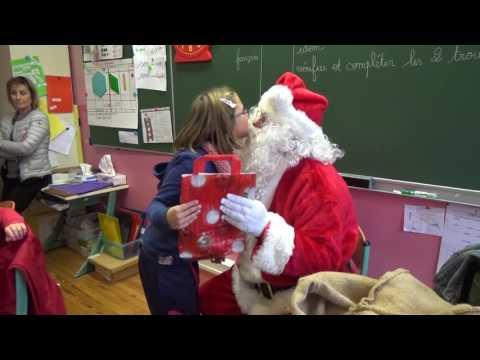 Le Père Noël dans les écoles