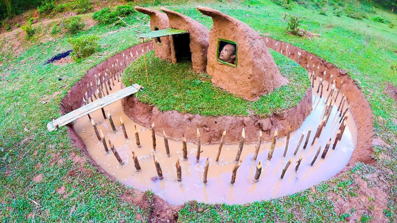 Build Mini Secret Underground House Using Mud And Surrounding Fences To Avoid Wildlife