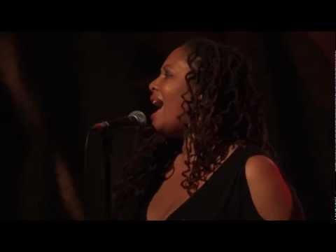 Lalah Hathaway  A Song For You  @ New Morning, Paris 20121114