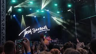 Gambar cover Notion - Tash Sultana (Live at Lollapalooza 2018 - Day 3: 8/4/18)