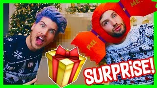 UNBOXING ZOELLA'S CHRISTMAS MYSTERY BOX!
