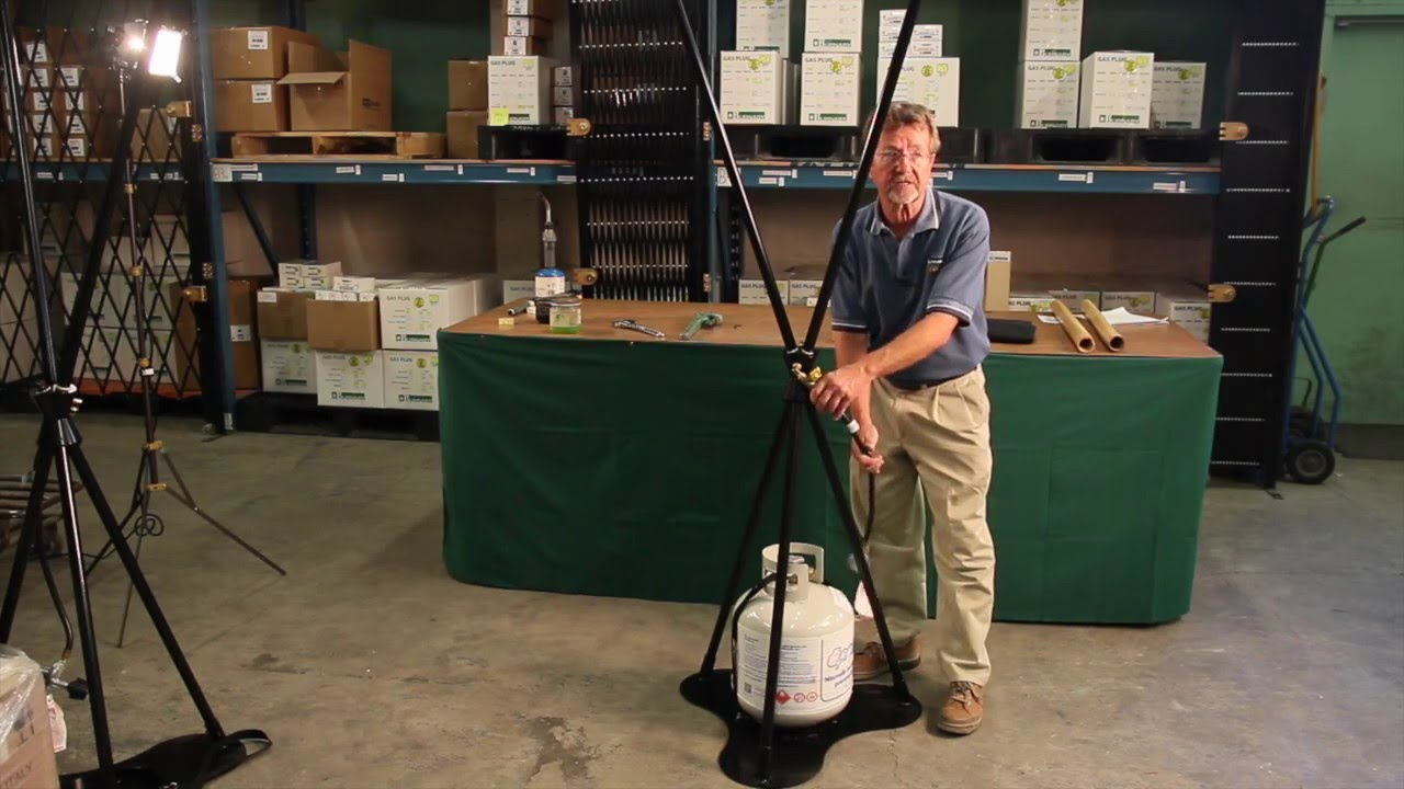 Burnaby Manufacturing 3-Head Propane Tiki Torch Stand Black