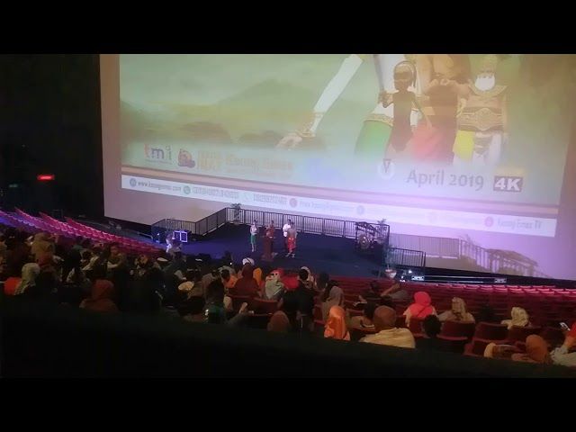 Sambutan Ari Amikom jogja GalaPremier Film Dongeng Musical Keongemas TMII