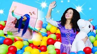 Смешные видео для детей - Принцесса Диснея и Летающий Домик! - Игры одевалки для девочек.