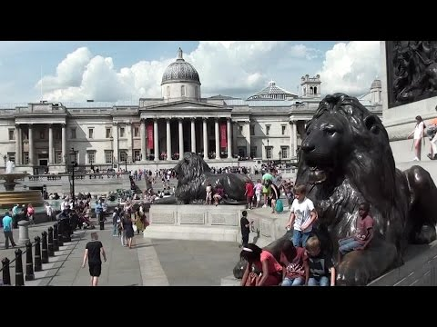 London Sightseeing Bus Tour (HD) - inc Piccadily Circus, Trafalgar Square, St Paul's Cathedral.