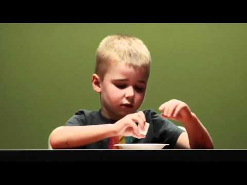 Забавный эксперимент с детьми и маршмеллоу