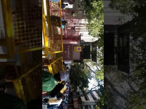 Line on the gate of RBI in delhi