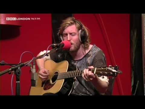 Andy Burrows - Hometown (Live on the Sunday Night Sessions on BBC London 94.9) mp3