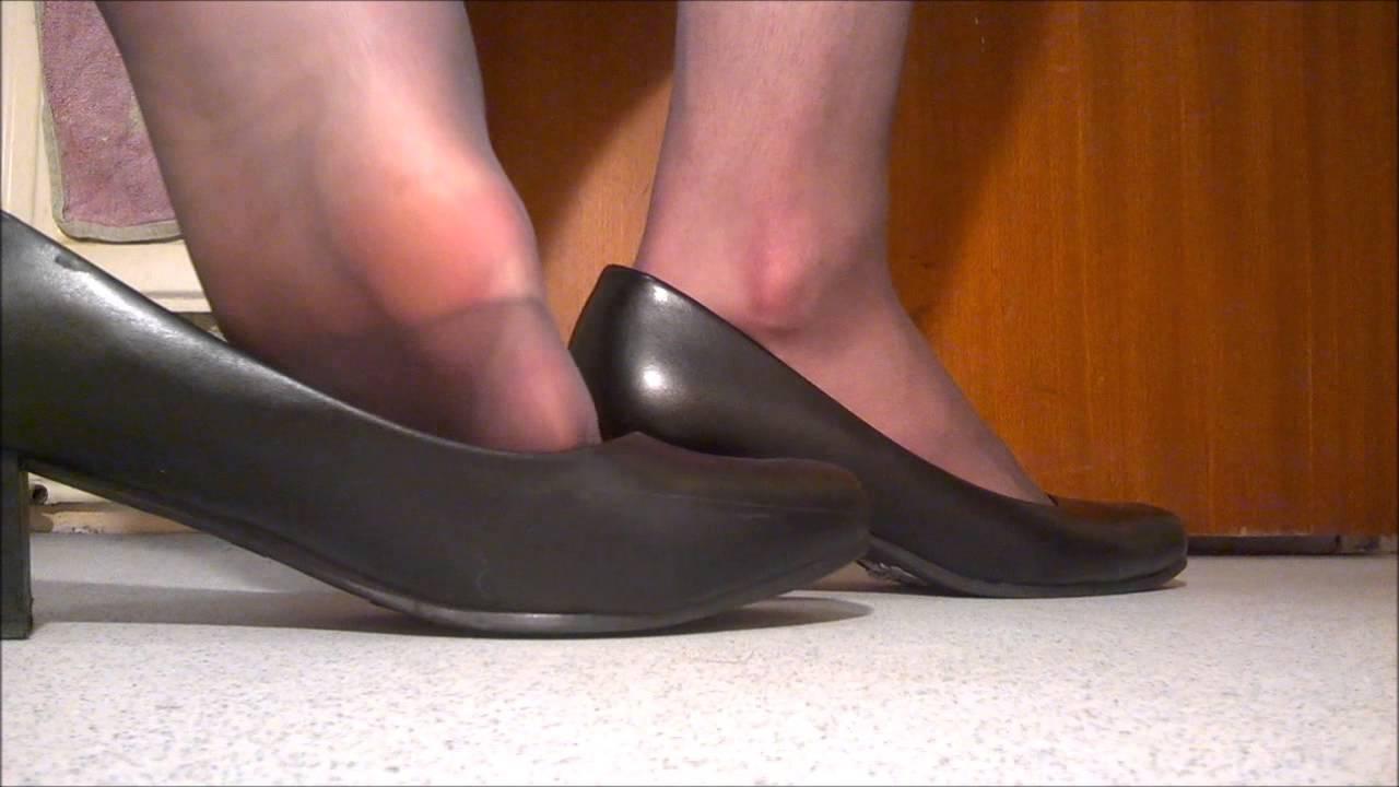 crossdresser shoeplay