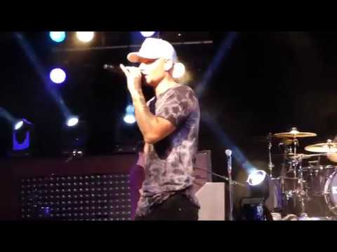 """Kane Brown """"Medley of Stacey's Mom, Boyfriend, and Closer"""" Live @ The Starland Ballroom"""