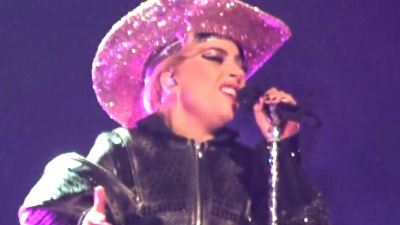 Lady Gaga Diamond Heart Live In Houston Tx 12 43 2017 Joanne World Tour Youtube