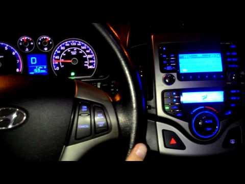 Hyundai i30 andando a noite em S o Paulo