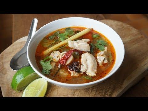 soupe-thaïe-tom-yam-au-poulet-–-intense-en-goût