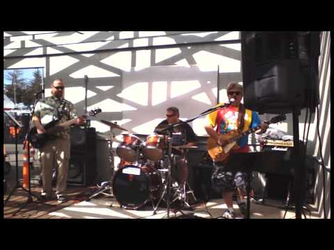 Lemon Cloud performs The Joker at OCSC Sailing in the Berkeley, CA July 19, 2014
