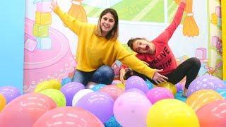 Balon patlatma Challenge! Süper eğlenceli video!