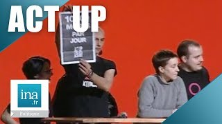 Act Up perturbe un meeting de Lionel Jospin   Archive INA