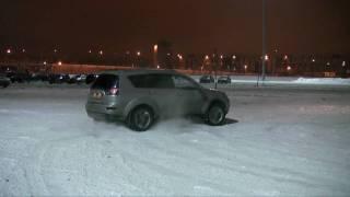 Mitsubishi Outlander XL V6 3.0 in Russia Winter Snow