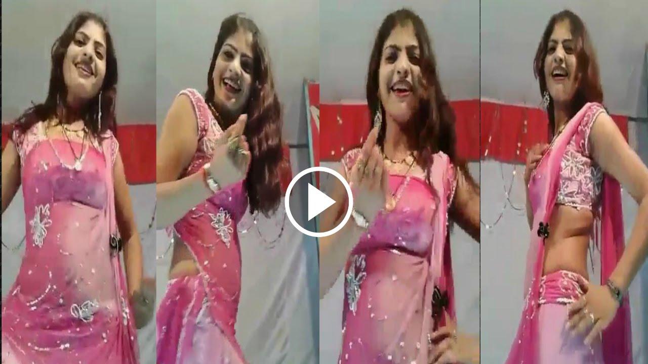 Woman large dildo video
