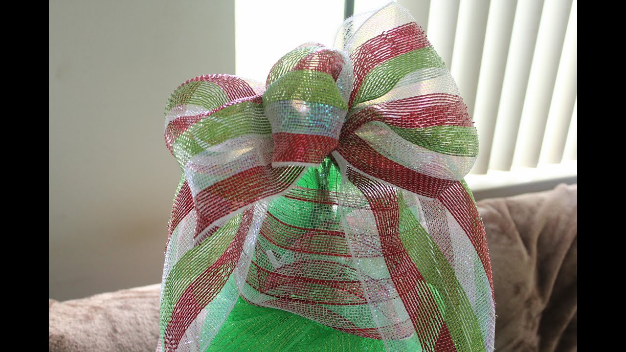 How to Make a Deco Mesh Bow- Easiest Bow Ever - Christmas Tree ...