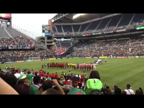 Las selecciones de Mexico vs Canada .. Entrando al estadio.