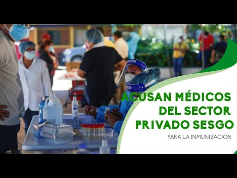 Acusan médicos del sector privado sesgo para la inmunización