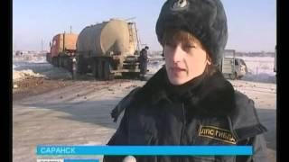 УАЗ, перевозивший овощи, столкнулся с КАМАЗом
