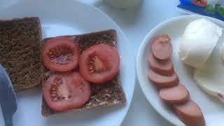 Bữa sáng bánh mi màu nâu -bổ dưỡng nhanh gon in finland