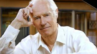 George Martin - Theme One (with footsteps!)