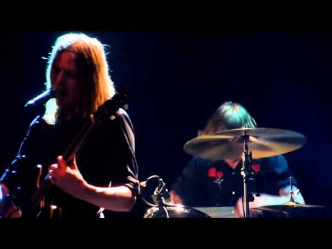 "Graveyard - ""Slow motion countdown"" [HD] (Madrid 16-05-2013)"