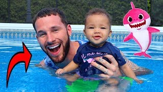 Daddy Teaches Baby Shark How to Swim!