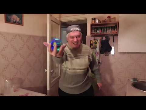 Геннадий Горин танцует под саксофон Шрека