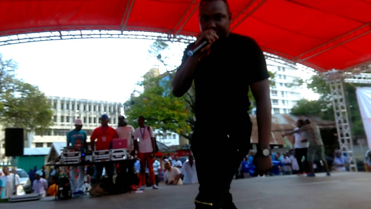 FRANKIE DEE ( INTERNATIONAL YOUTH DAY MOMBASA) SHOW