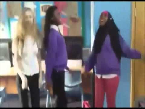 gaspedal-dance-three-girl-performance