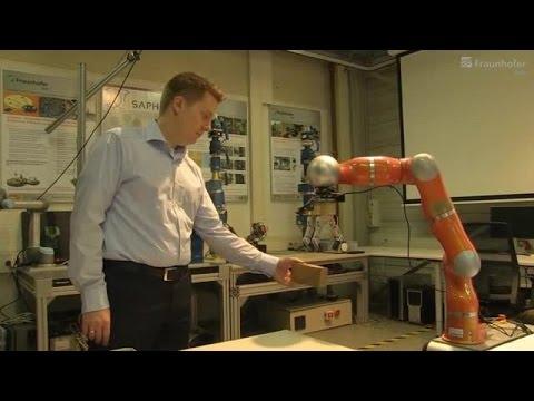 Im industriellen Umfeld lassen sich Aufgabenstellungen durch Zusammenarbeit von Mensch-Roboter-Teams effizient bewältigen / Das Fraunhofer IOSB entwickelte für diese Kooperation ein Verfahren