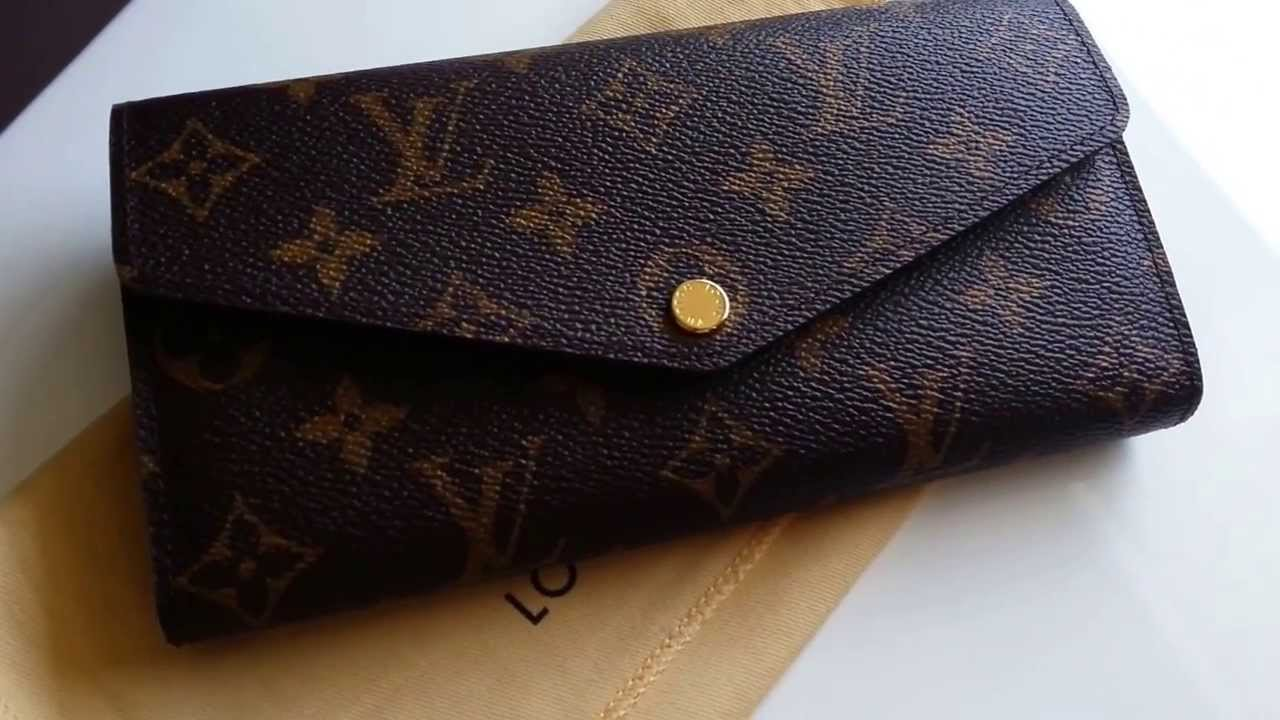 8a2c05be3dad Louis Vuitton Sarah Wallet Overview - YouTube