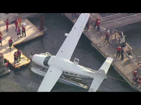 WATCH LIVE: EPIC WATER RESCUE of downed plane in East River, New York