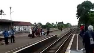 Argo dwipangga at stasiun Klaten
